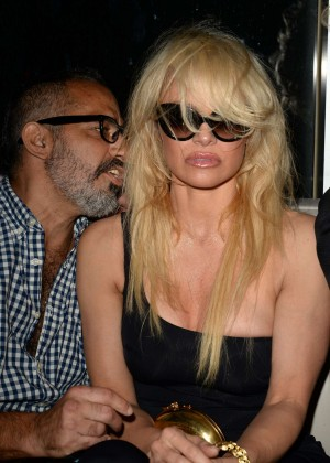 Pamela Anderson - Celebrates New Year's Eve at Fifty Ultra Lounge at Viceroy Miami