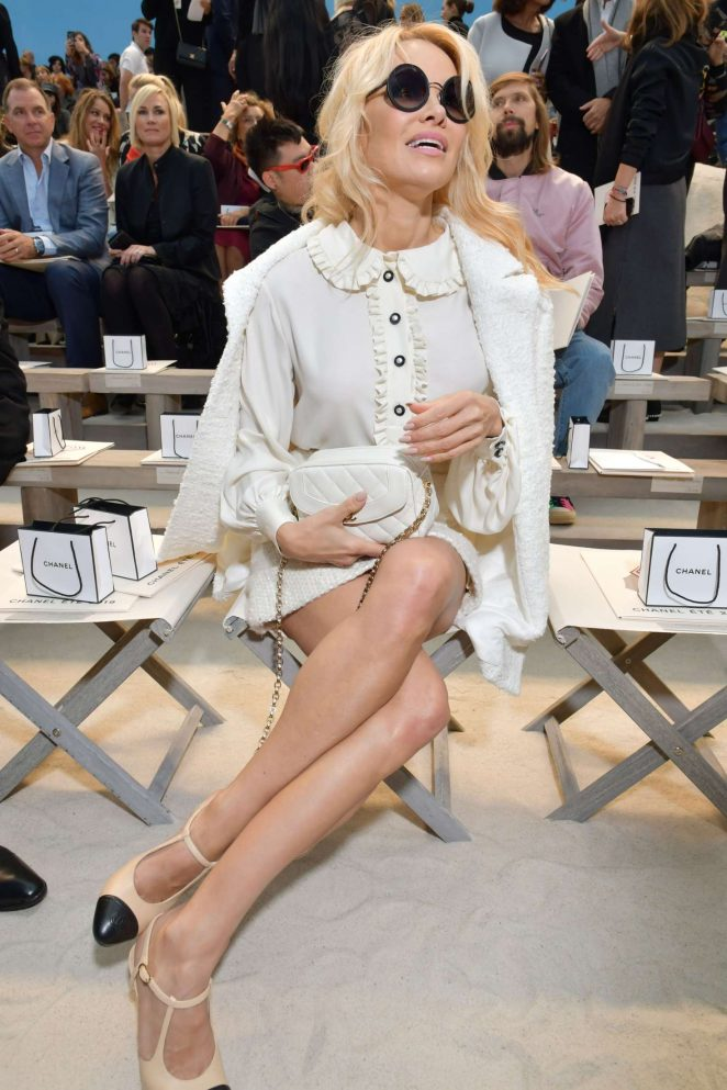 Pamela Anderson – Chanel Fashion Show in Paris