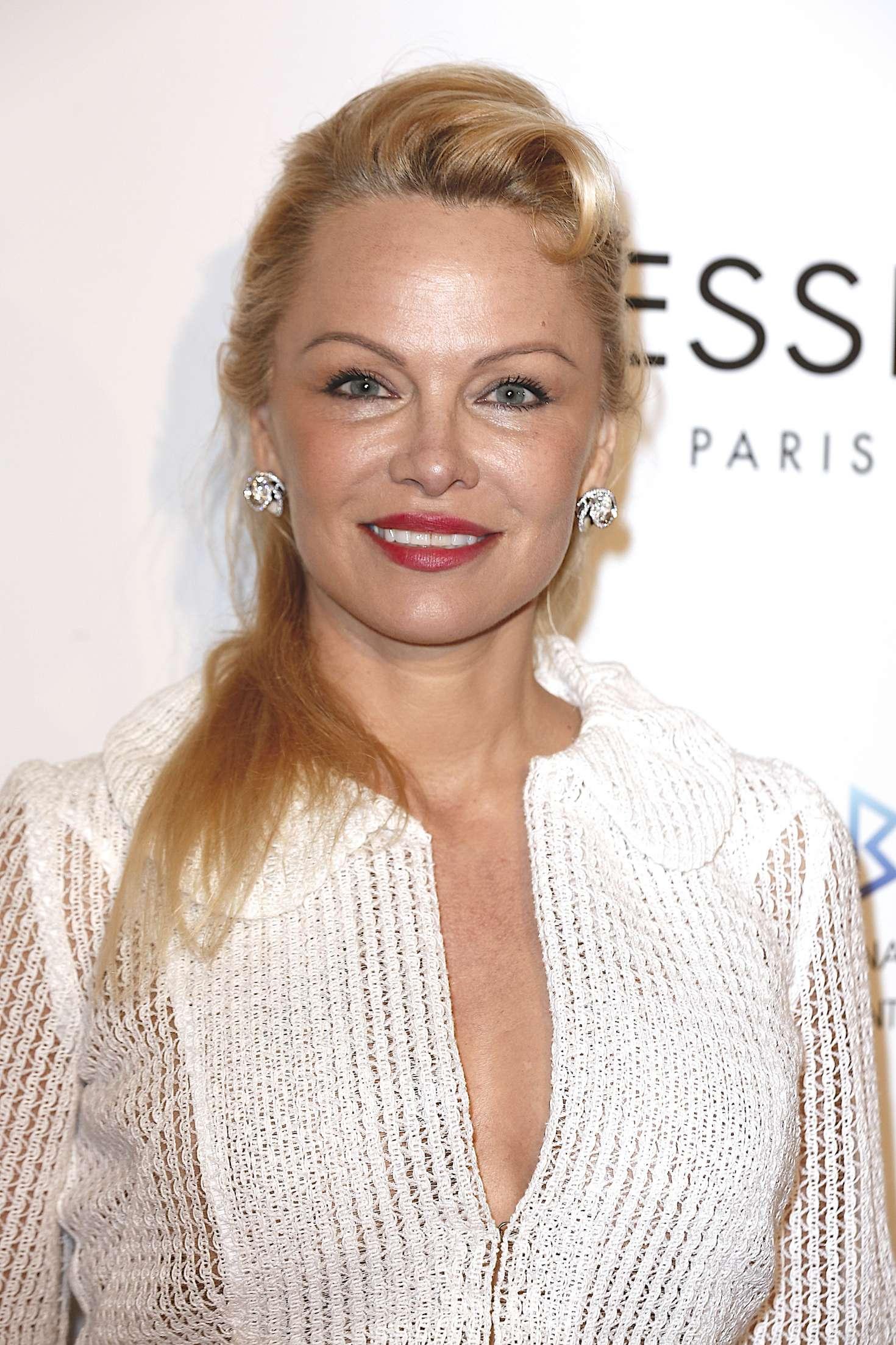 Pamela Anderson - Global Gift Gala 2017 in Paris Pamela Anderson