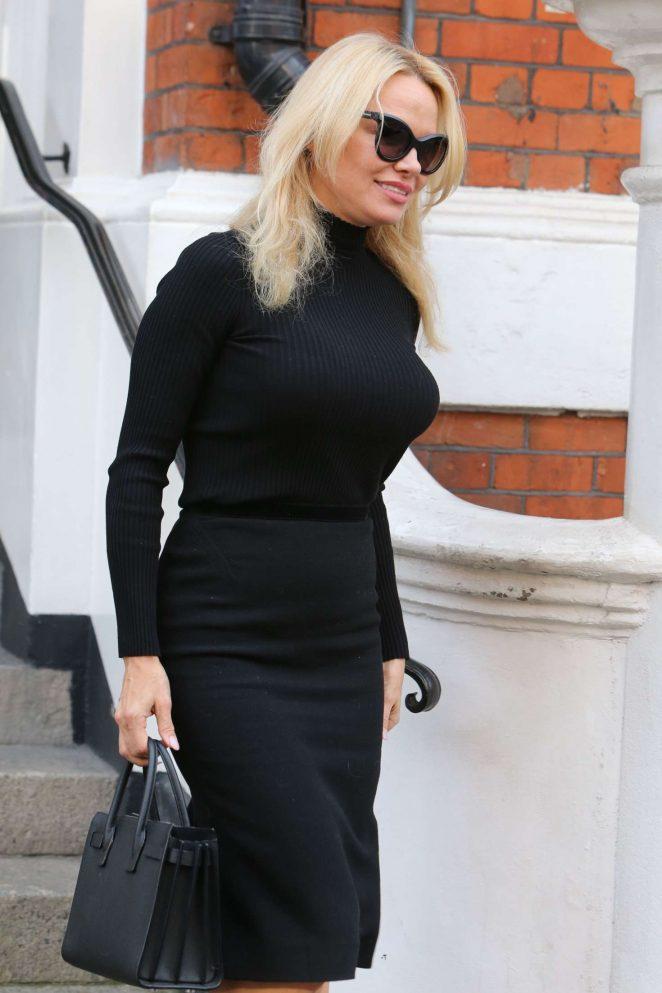 Pamela Anderson Leaves the Embassy of Ecuador in London