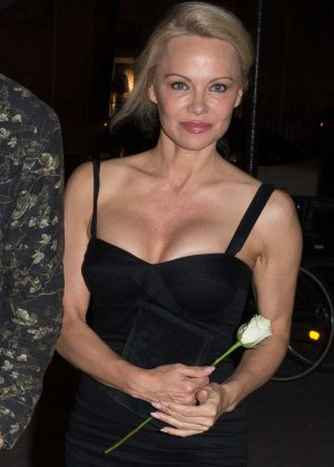 Pamela Anderson - Leaves the Manko restaurant in Paris