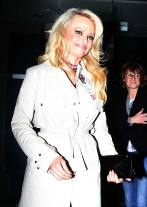 Pamela Anderson - Leaving the TV show 'On n'est pas couche' in Paris