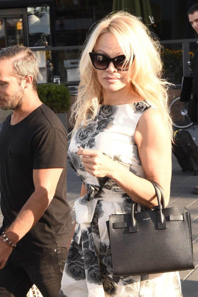 Pamela Anderson - Seen at Schiphol for Comic Con in the RAI - Amsterdam