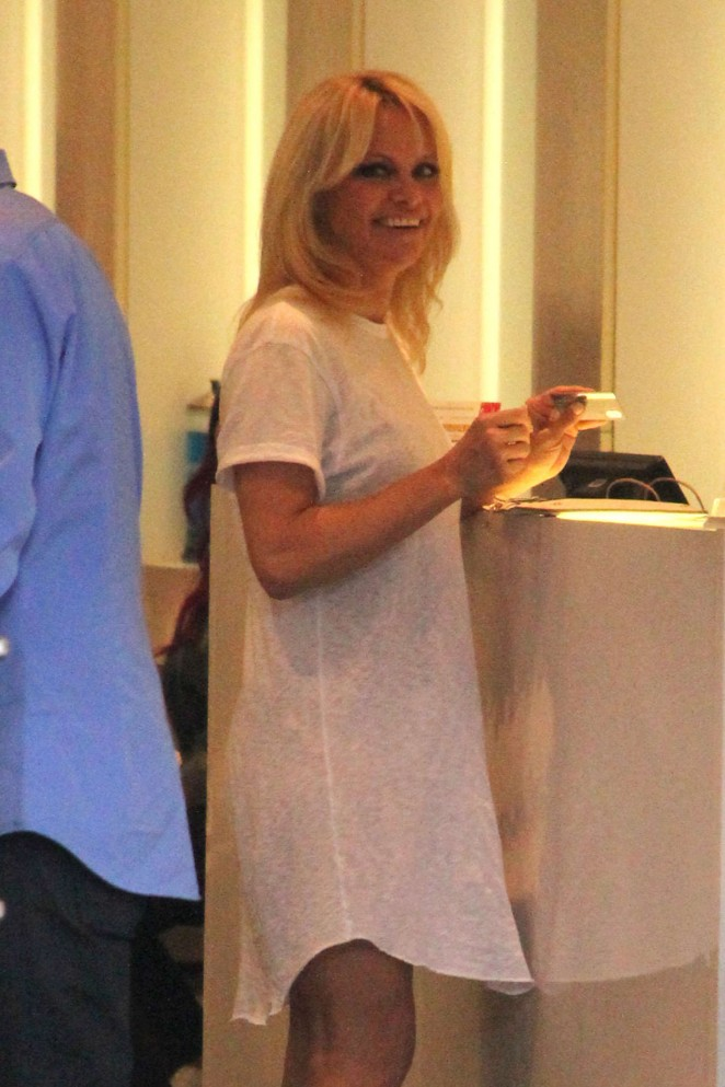 Pamela Anderson Shopping on Beverly Drive