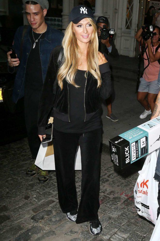 Paris Hilton - 2017 New York Fashion Week candis