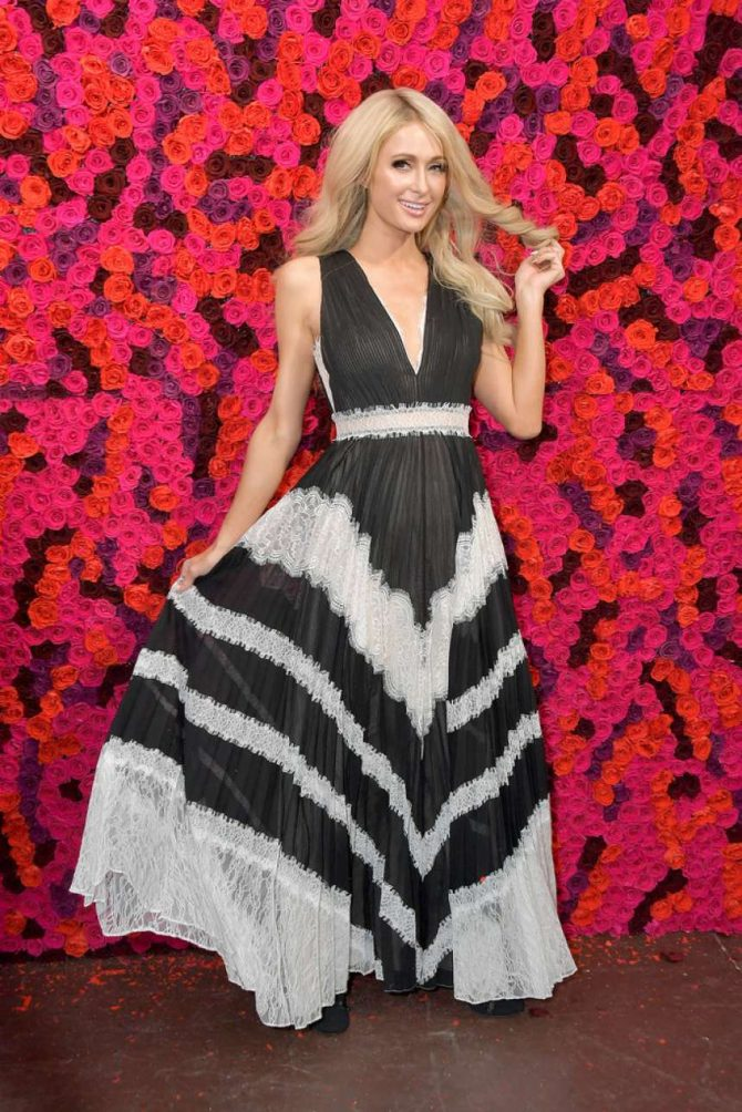 Paris Hilton – Alice + Olivia Fashion Show in New York