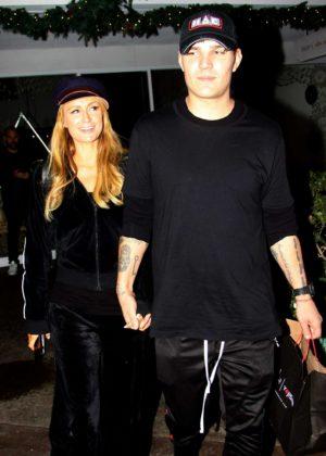 Paris Hilton and boyfriend - Shopping at the Beverly Glen Circle