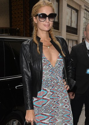 Paris Hilton - Arrives at her hotel in London