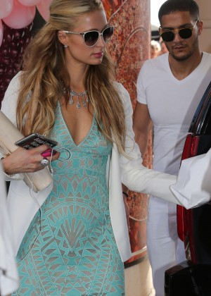 Paris Hilton - Arrives at Martinez Hotel in Cannes