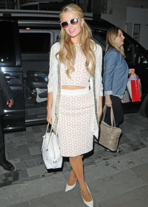 Paris Hilton: Arriving at Euston Station -03
