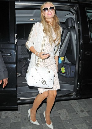 Paris Hilton: Arriving at Euston Station -05