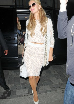 Paris Hilton: Arriving at Euston Station -10