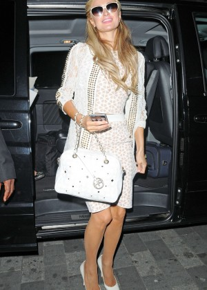 Paris Hilton: Arriving at Euston Station -11