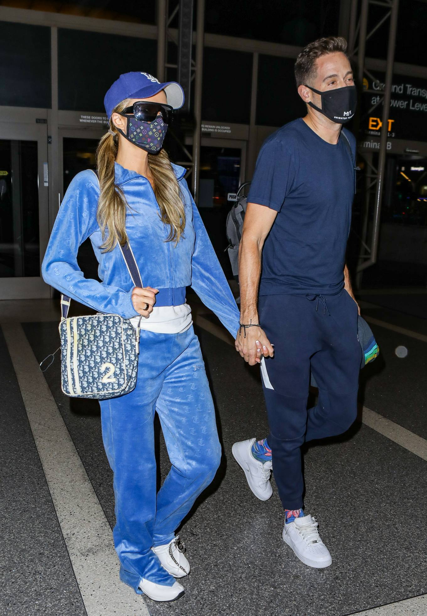 Paris Hilton - Arriving at LAX airport in Los Angeles