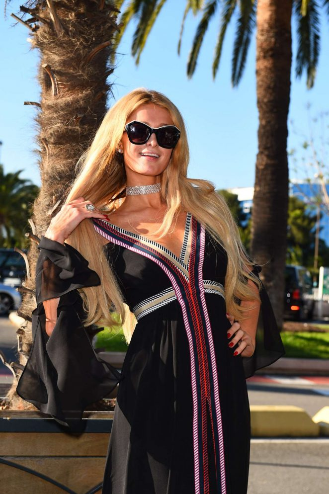 Paris Hilton Arriving at Nice Airport in Cannes