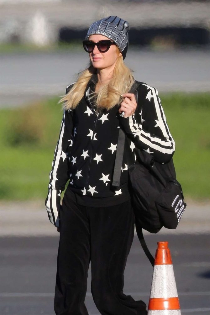 Paris Hilton – Arriving on a private jet in Van Nuys