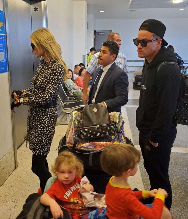 Paris Hilton: Catch a flight for Europe-04