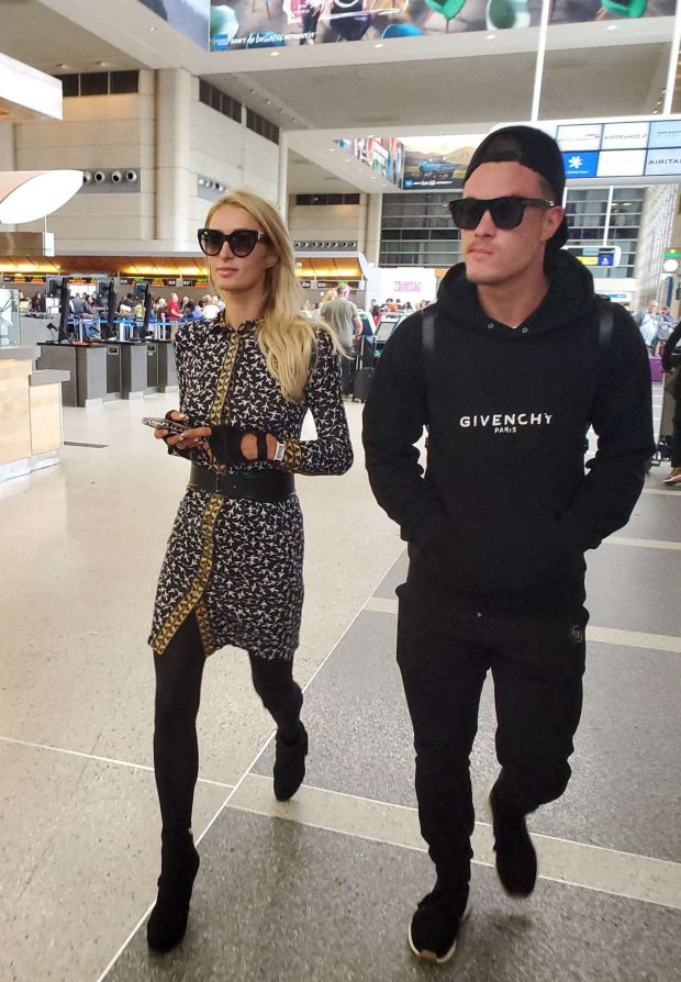 Paris Hilton: Catch a flight for Europe-10