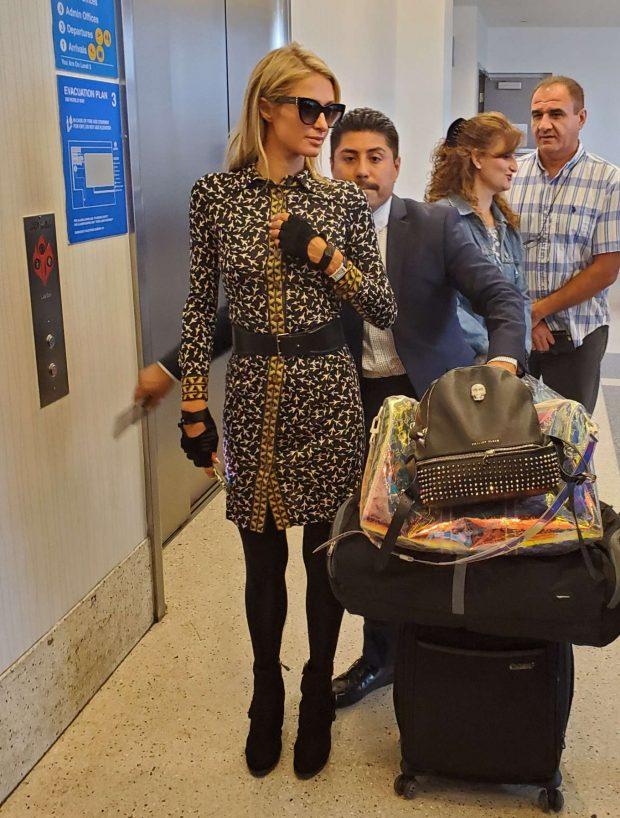 Paris Hilton - Catch a flight for Europe in Los Angeles