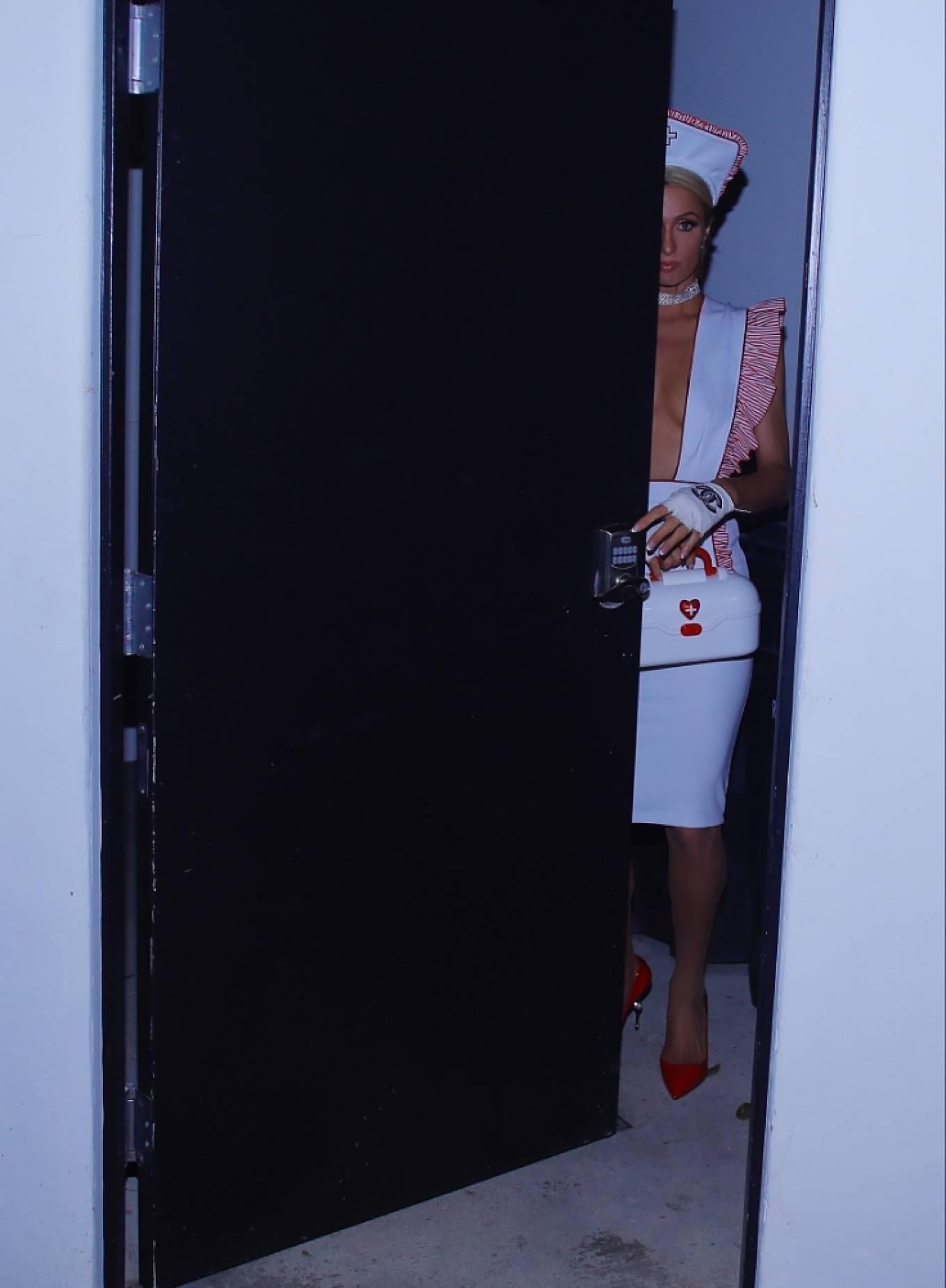 Paris Hilton 2020 : Paris Hilton – Dressed in a nurses costume in Los Angeles-02