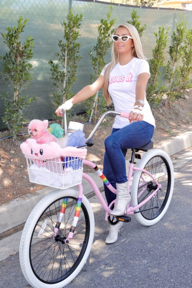 Paris Hilton - Goes for a bike ride out in Beverly Hills
