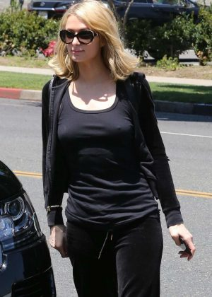 Paris Hilton - Out and about in Beverly Hills