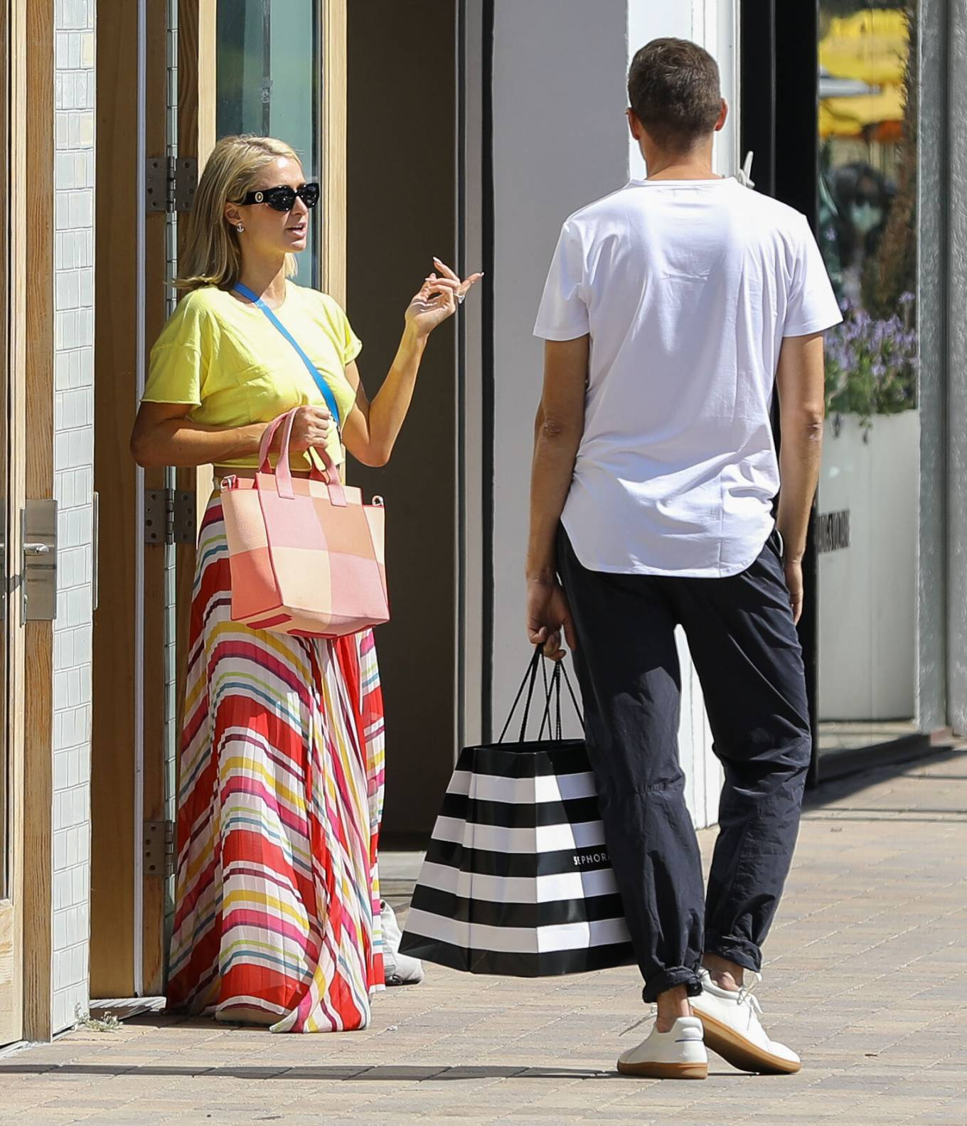 Paris Hilton 2021 : Paris Hilton – Out for a walk in Malibu-11
