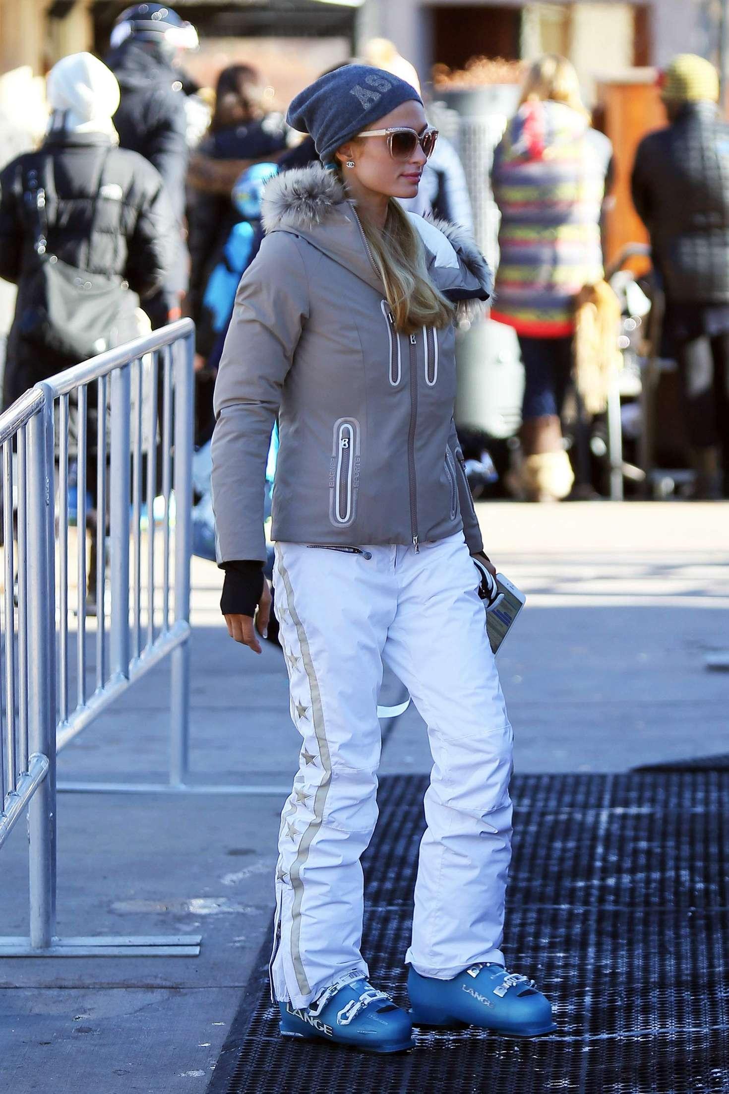 Paris Hilton 2015 : Paris Hilton out in Aspen -16