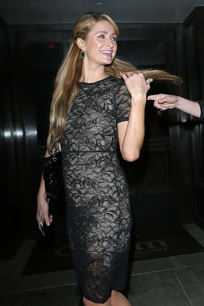 Paris Hilton – Outside Palm Restaurant in Los Angeles