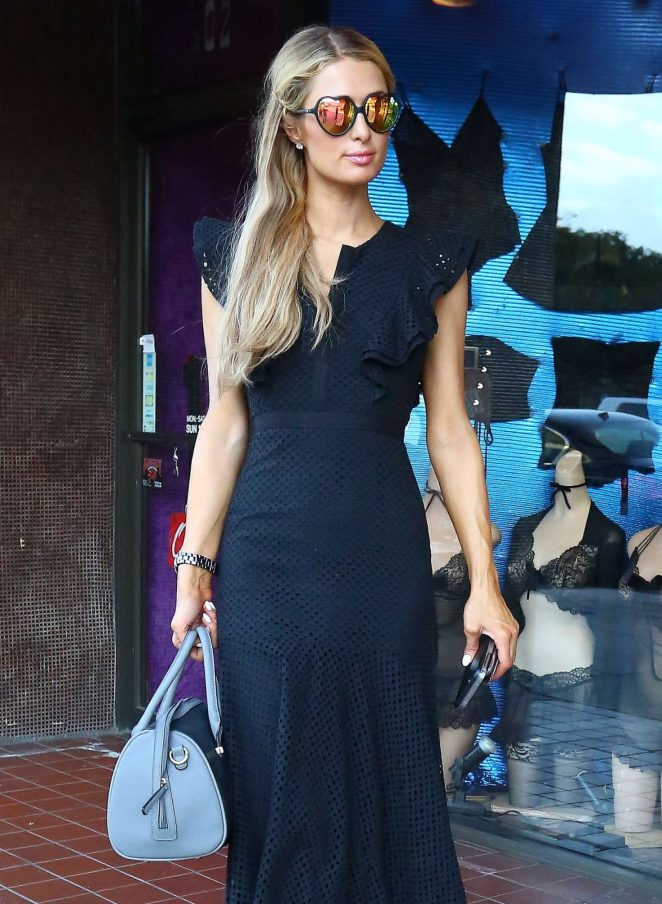 Paris Hilton - Shopping for Halloween Costumes in West Hollywood