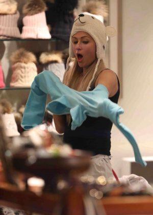 Paris Hilton - Shopping for ski gear in Aspen