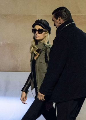 Paris Hilton - Shopping in a service station in Bologna
