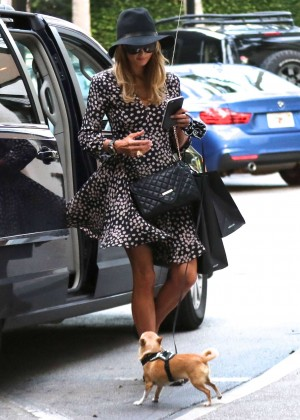 Paris Hilton - Shopping in Bal Harbour