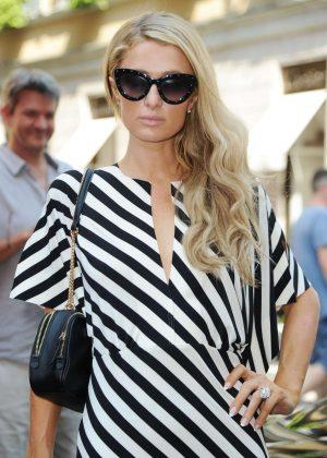 Paris Hilton - Shopping in Milan