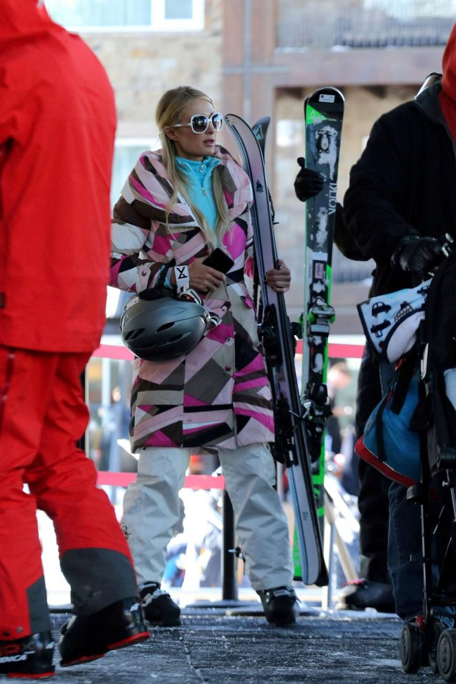 Paris Hilton Skiing in Aspen -12