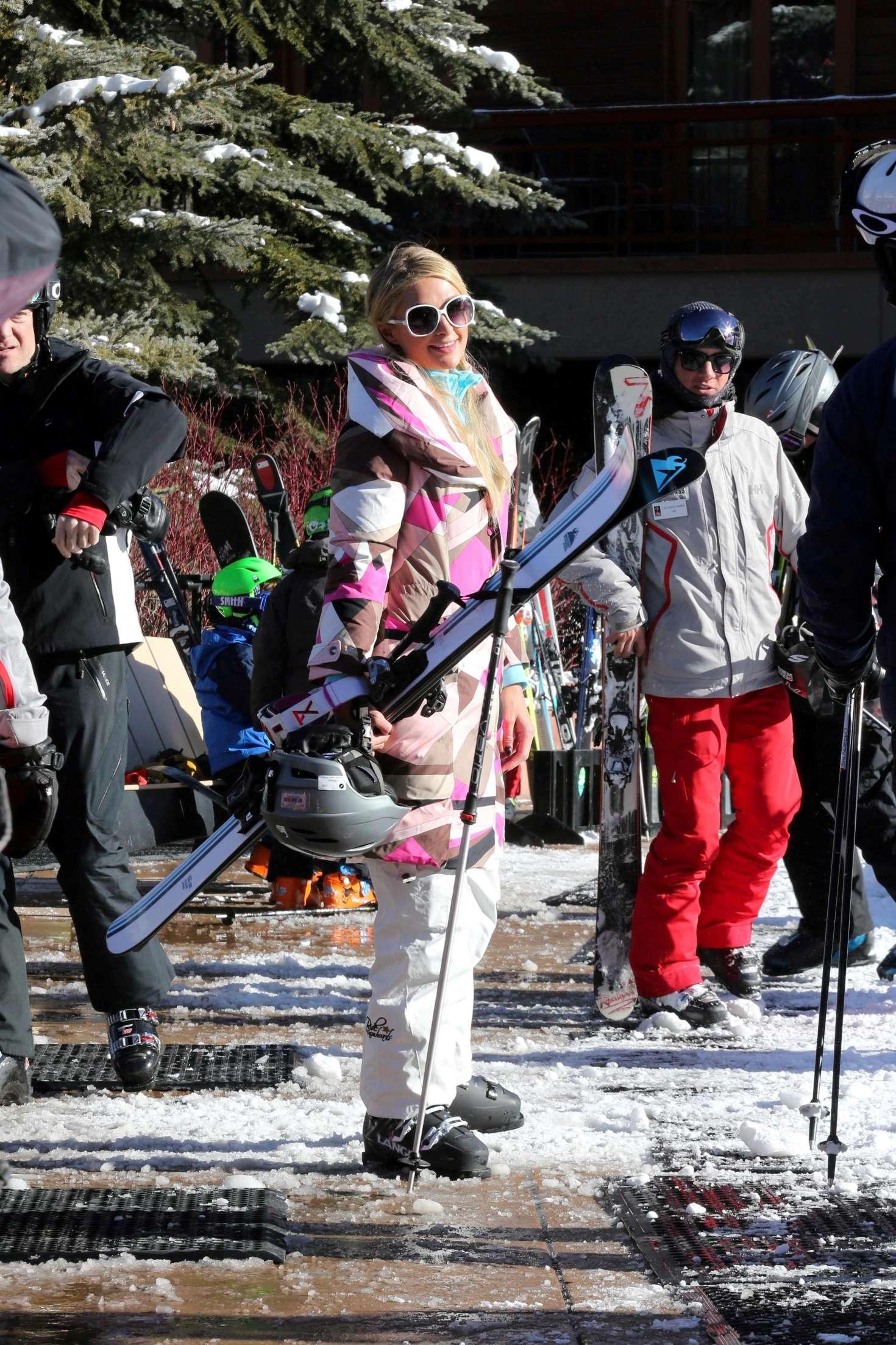 Paris Hilton 2016 : Paris Hilton Skiing in Aspen -18