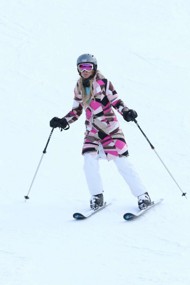 Paris Hilton Skiing in Aspen -21