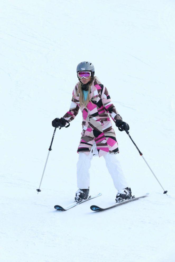 Paris Hilton Skiing in Aspen -23