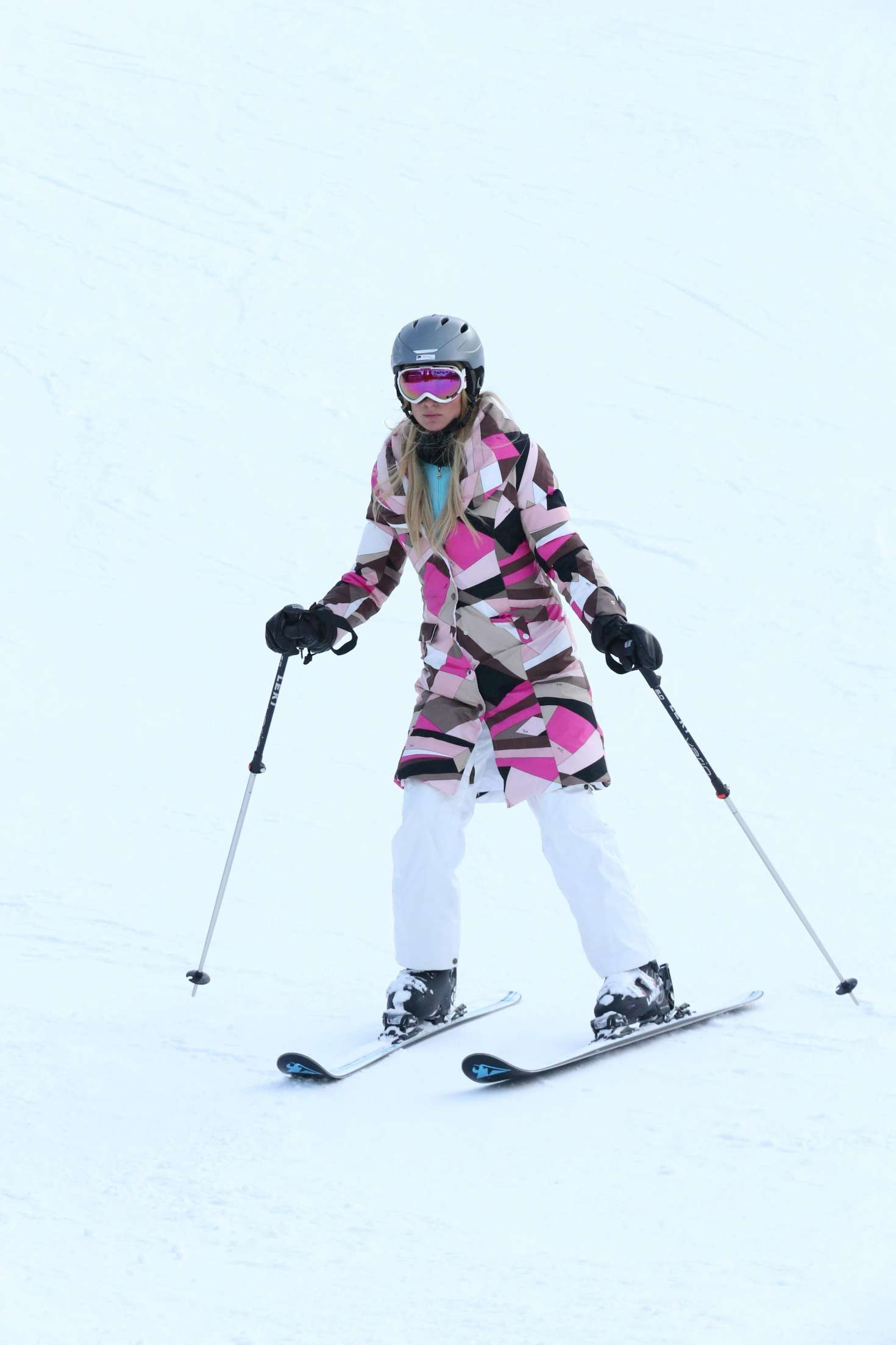 Paris Hilton 2016 : Paris Hilton Skiing in Aspen -23