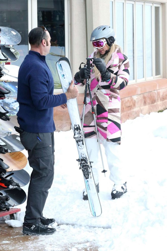 Paris Hilton Skiing in Aspen -26