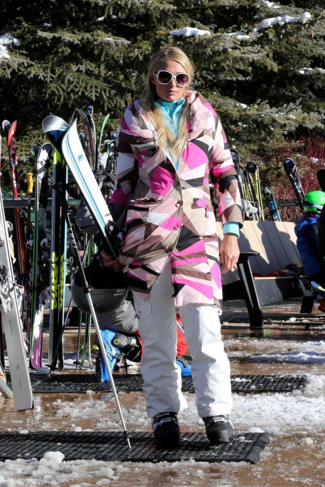Paris Hilton Skiing in Aspen -29