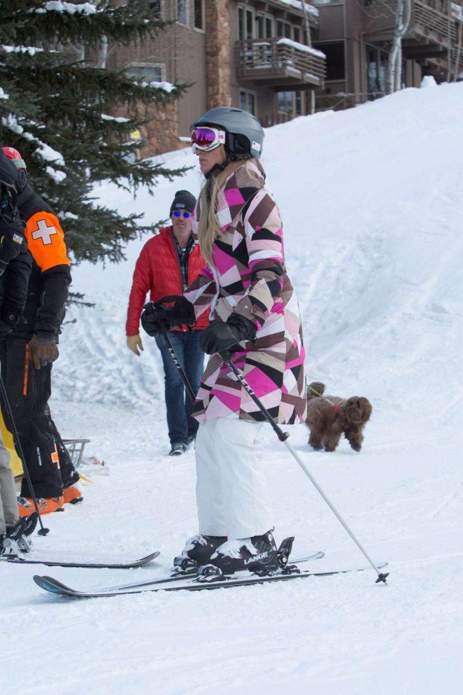 Paris Hilton Skiing in Aspen -31