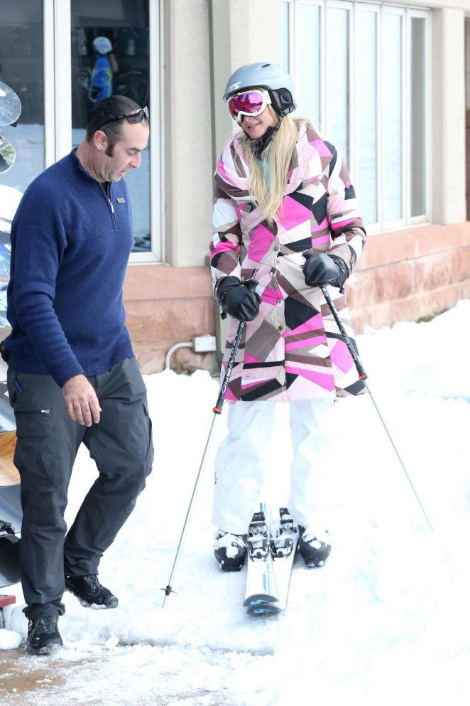 Paris Hilton Skiing in Aspen -32