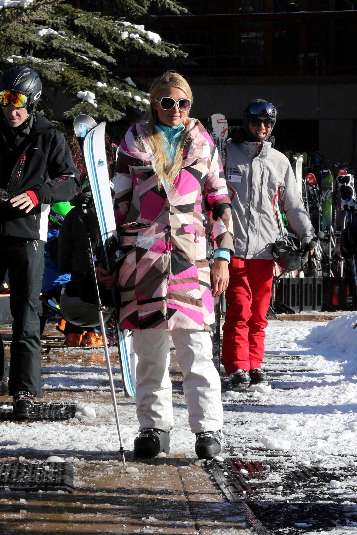 Paris Hilton 2016 : Paris Hilton Skiing in Aspen -34