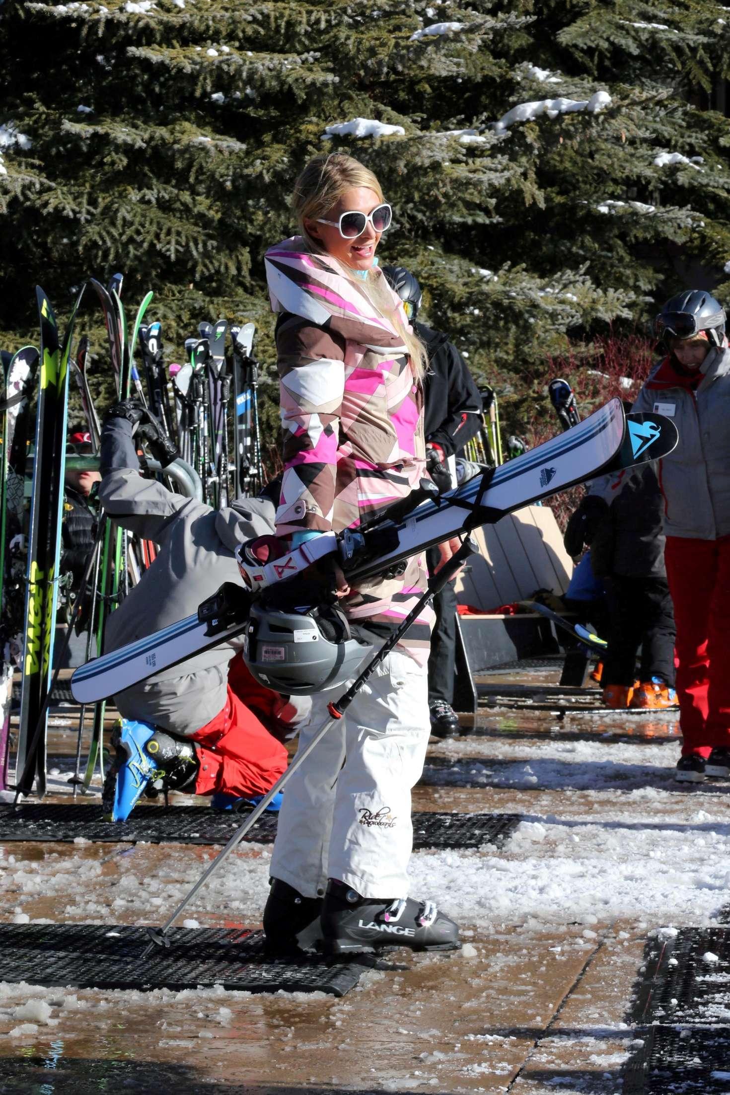 Paris Hilton 2016 : Paris Hilton Skiing in Aspen -36
