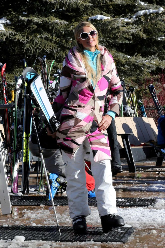 Paris Hilton Skiing in Aspen -37