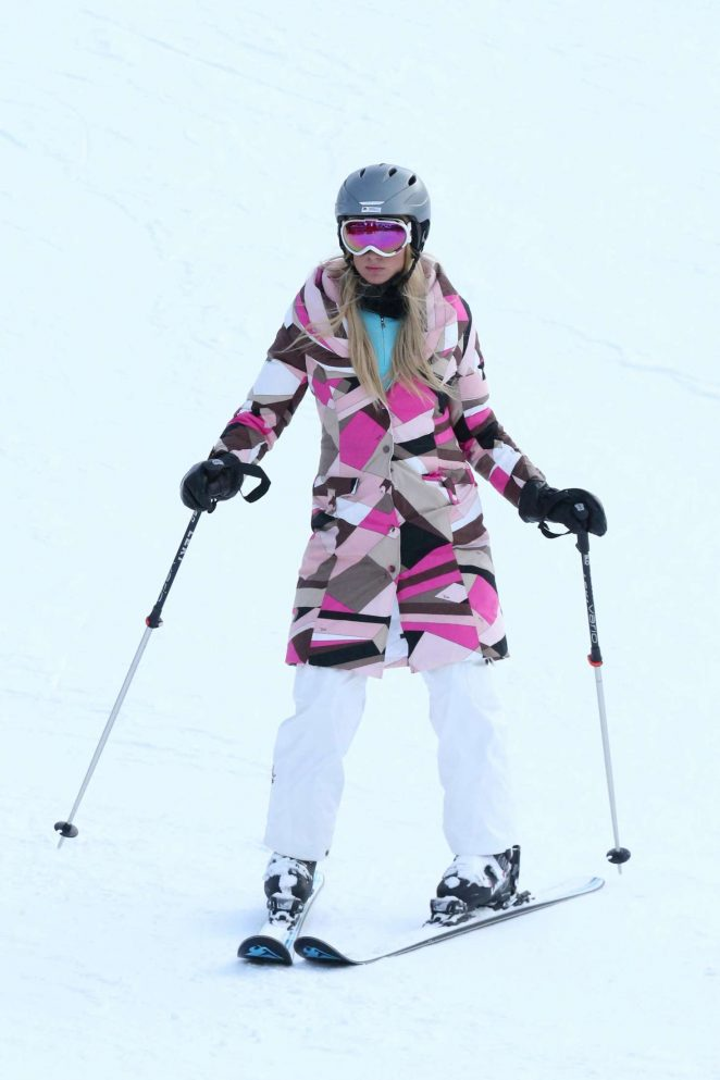 Paris Hilton Skiing in Aspen -42