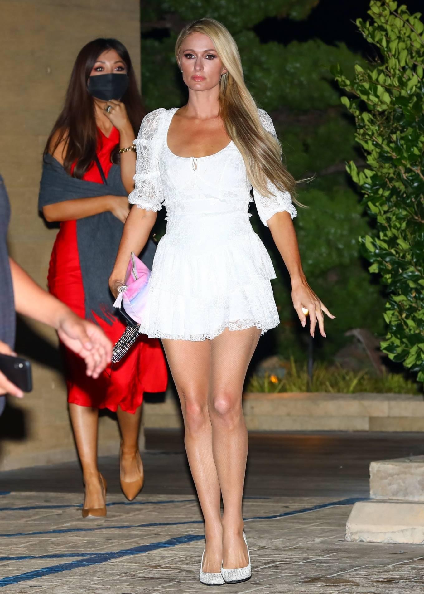 Paris Hilton 2020 : Paris Hilton – Spotted outside Nobu in Malibu-05