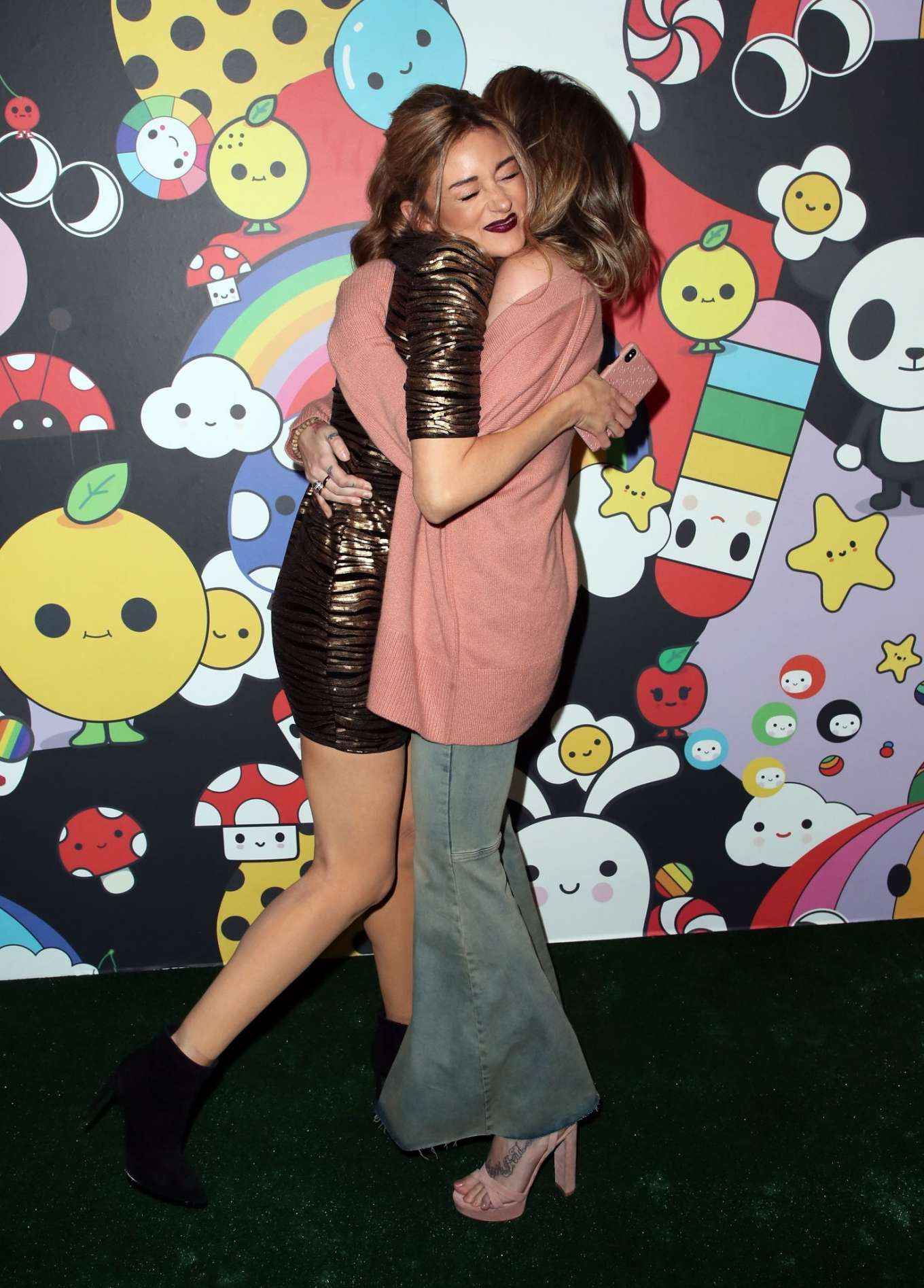 Paris Jackson 2019 : Paris Jackson – alice + olivia by Stacey Bendet x FriendsWithYou Collection-23