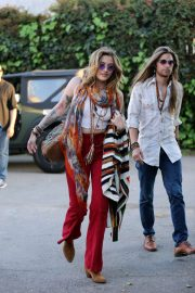 Paris Jackson and Gabriel Glenn - Arrive for The Soundflowers live gig in Los Angeles